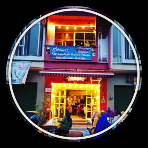 Cafe Di Grand Wisata Bekasi